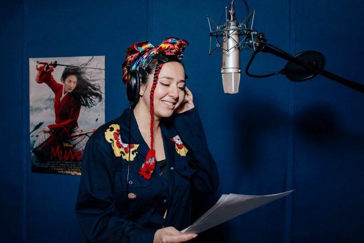 Манижа исполнила заглавную песню к «Мулан»