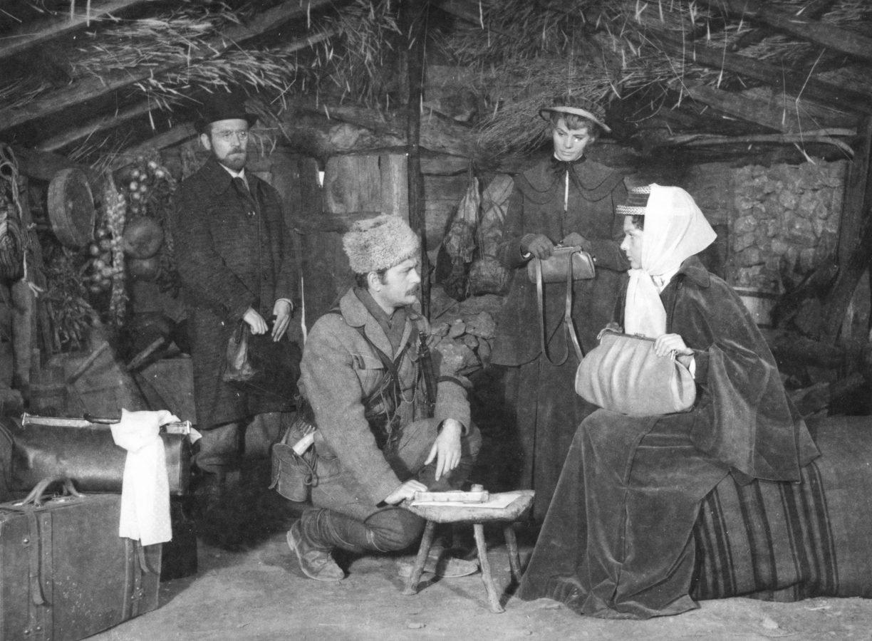кадр из фильма Мисс Стоун реж.Живорад Митрович, 1958 год